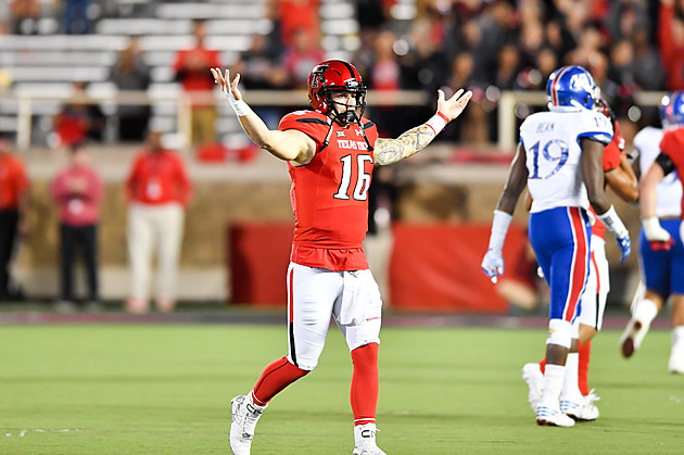 Nic Shimonek Kansas v Texas Tech