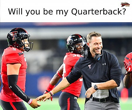 kliff kingsbury and patrick mahomes valentine's day card